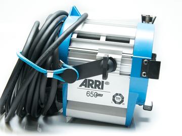 Rent: ARRI Tungsten Light Kit 3x 650 Fresnels
