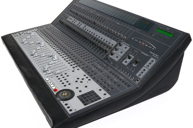Digidesign Control 24 24 ch mixer