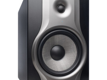 Rent: M Audio BX8 Deluxe monitor 20-23khz