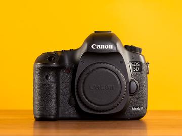 Rent: Canon 5d Mark III Camera