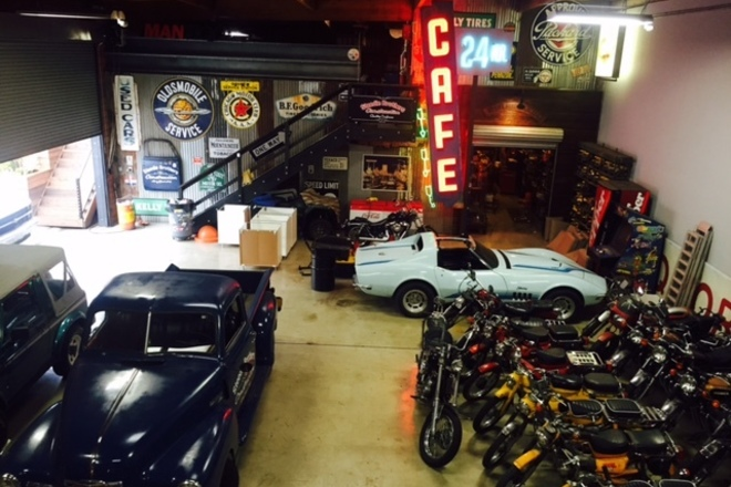 Man Cave Garage Rental : Rent industrial man cave warehouse sharegrid