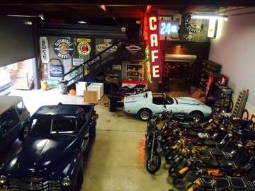Rent: Industrial Man Cave Warehouse