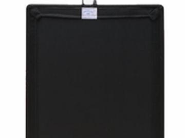 Rent: 512 Led light fixture bi color with dimer & 3 black flags