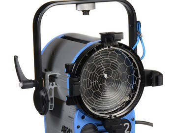 Rent: (6) ARRI T2 Location Fresnel - 2000 Watts, Stand Mount (120