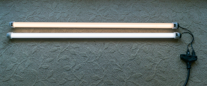 (2x) 4' Quasar Tubes - S SWITCH LINEAR LAMPS [3000/5600]