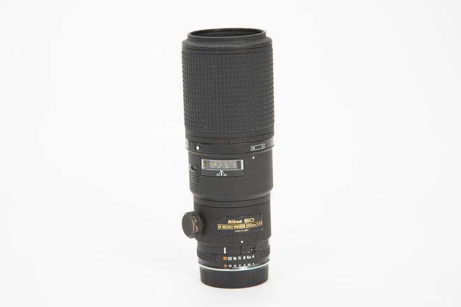 Nikon AF Nikkor 200mm f/4D IF-ED Micro