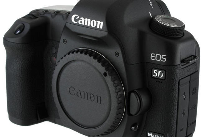 CANON 5D Mark II with 1 free lenses
