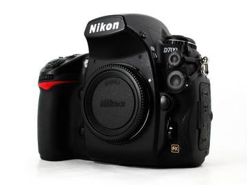 Rent: Nikon D700