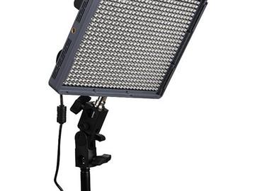 Rent: Aputure amaran 672 c LED + Stand