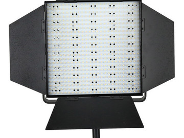 Rent: LEDGO CN-600HS Daylight LED Panel + Stand