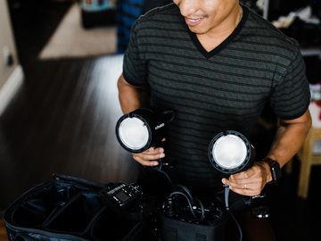 Rent: Profoto B2 Kit (2 Lights, 2 Batteries, 1 Canon Air Remote)