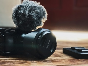 Rent: Sony Alpha a6300  + Rode Video Micro  + Sony 18-105 f4