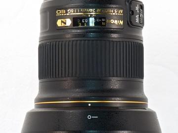 Nikon AF-S Nikkor 24mm f1.8 prime lens