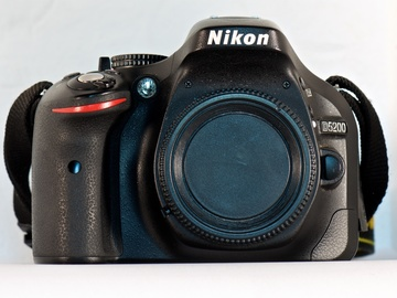 Rent: Nikon D5200 Digital SLR Camera