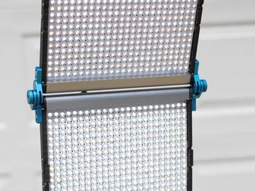 Rent: Dracast LED1000 Foldable Bi-Color LED Light (2 of 2)