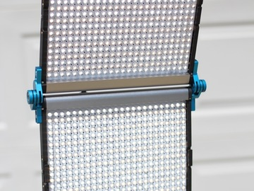 Rent: Dracast LED1000 Foldable Bi-Color LED Light (1 of 2)