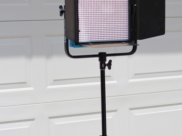 Rent: Dracast LED1000 Plus Series Bi-Color LED Light(+accessories)
