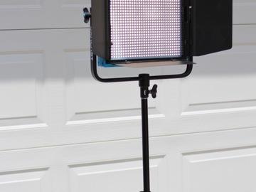 Rent: Dracast LED1000 Plus Series Bi-Color LED Light(+accessories)