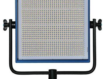 Rent: Dracast LED1000 Pro Bi-color LED Light with AB Battery Plate