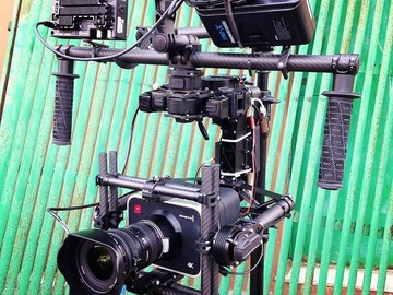Rent: MōVi M15 by Freefly