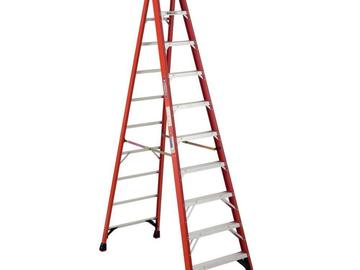 Rent: 10' fiberglass step ladder