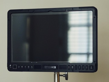 "Rent: SmallHD 1703 17"" Production Monitor 1703L"