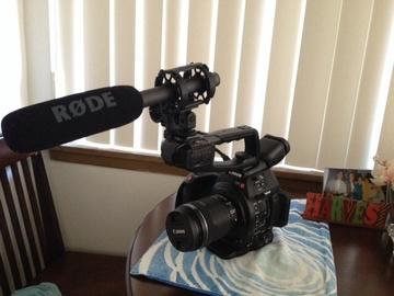 Rent: sweet C100 mark ii with lens