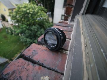 Rent: Canon EF-S 24mm f/2.8 STM +UV Filter