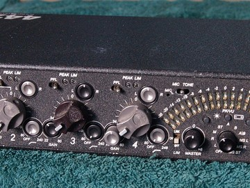 Rent: Sound Devices 442 mixer with snake