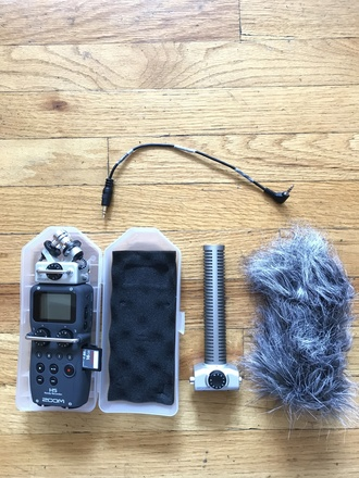 Zoom H5 Handy Recorder with Interchangeable With Shotgun