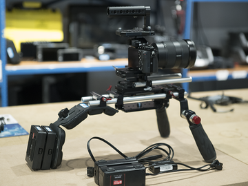 Rent: A7S SHOULDER RIG & CAGE COMBO KIT