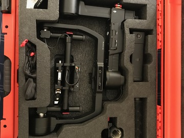 Rent: DJI Ronin-M + 2 batteries, controller & Case