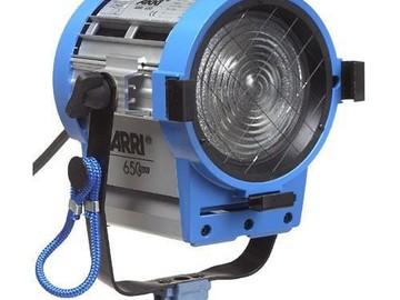Rent: Arri 650W Fresnel Compact 3-Light Kit (120VAC)