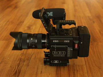 Rent: Red Raven Dragon 4.5K Package 2.0 with Lens/Mic/Tripod