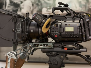 Rent: URSA Mini Pro 4.6k EF or PL + Canon Geared Lenses + acces