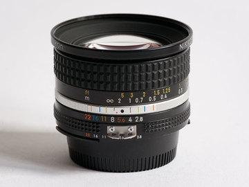 Rent: Nikon Nikkor 20mm F2.8 AI-S (w/ hood)
