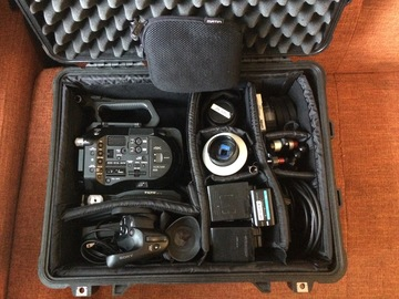 Rent: Sony PXW-FS7 Premium Shooting Package