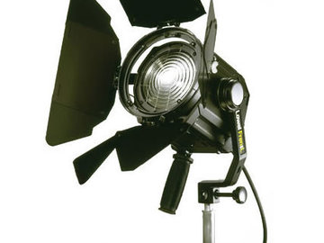 Rent: Lowell Fresnel 650 with C-Stand