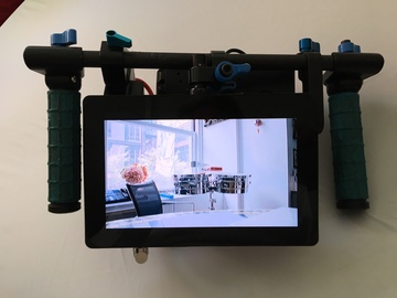 Rent: Director's Wireless Video kit w Small HD AC7 + V-mount batts