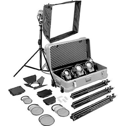 Arri 4-Light Fresnels Kit: 1 -1K, 2-650 watt  & 1 -300 watt