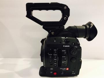 Canon C300 mk ii + Canon 24-70mm 2.8 + 2 Batteries