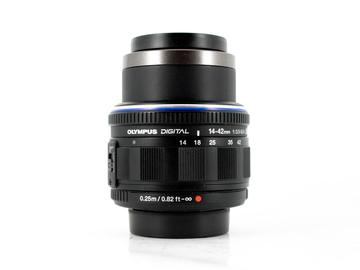 Rent: Olympus M.Zuiko ED 14-42mm f/3.5-5.6 ED