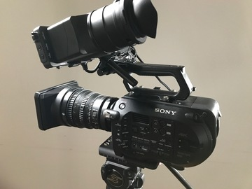 Sony fs7 simple package with Sony PZ 28-135 f.4 Lens