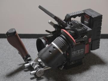 Rent: RED Weapon Helium 8K S35 + Tripod + Media + Display + Power