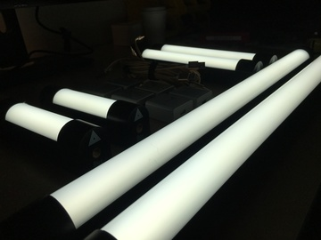 Rent: Quasar 6 Light Kit - LED Tubes - Bicolor - Battery powered