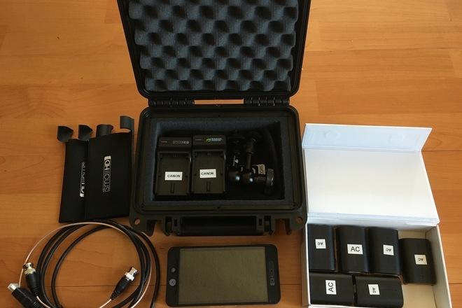 SmallHD 502 kit + Hood + 10 batteries