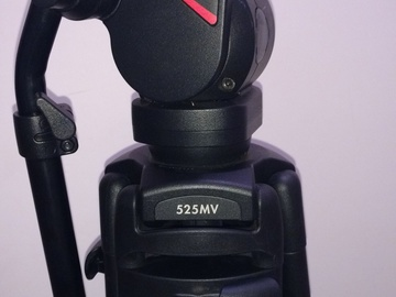 manfrotto 519 pro fluid head with 525MVB Tripod