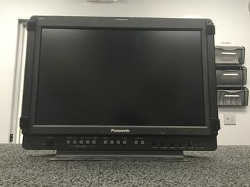 "Rent: Battery Powered Panasonic 17"" LCD Director's Monitor"