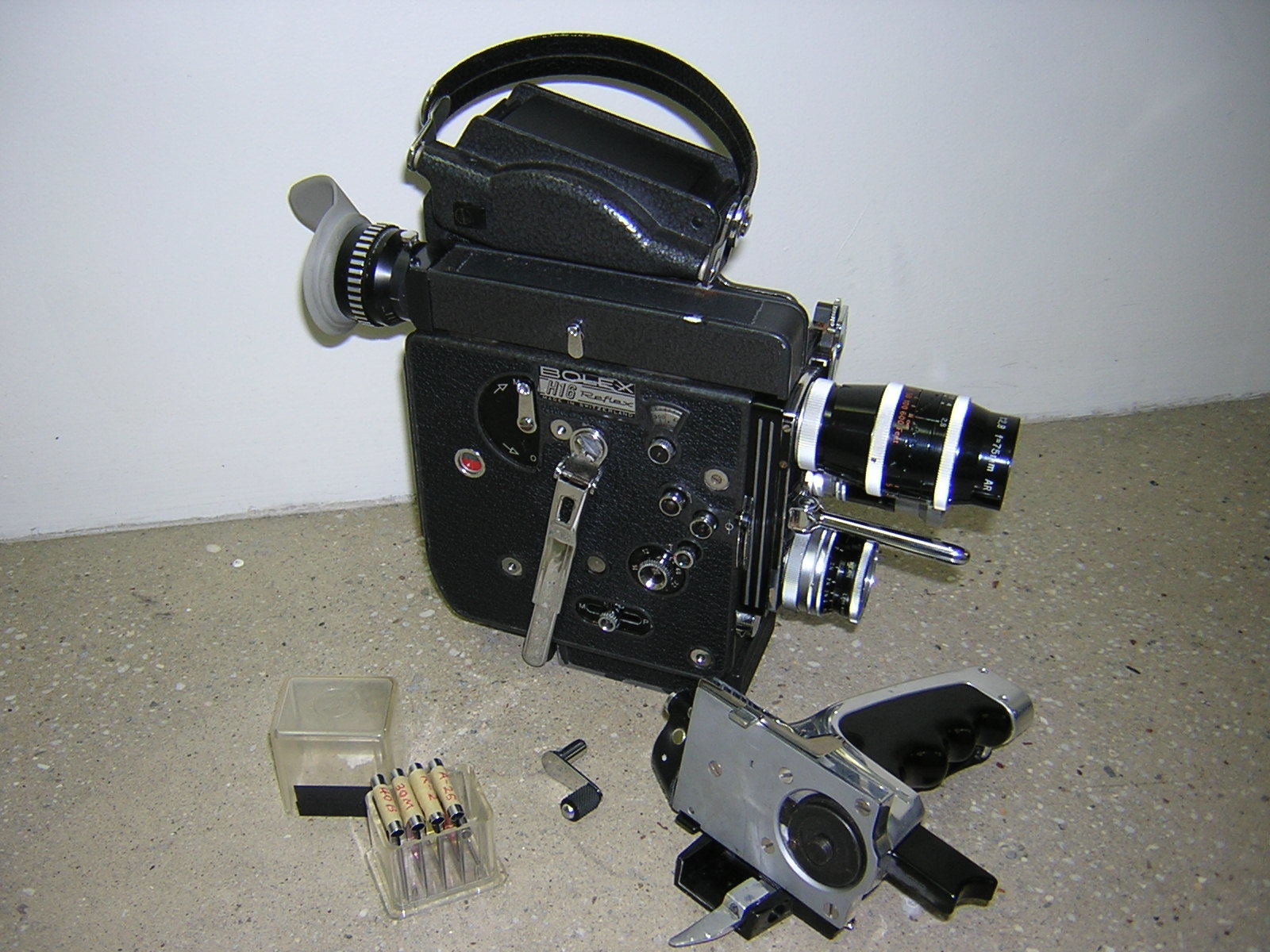 Rent a Bolex 16mm Bolex H-16 Rex 5 with 3 prime lenses, Best Prices |  ShareGrid New York