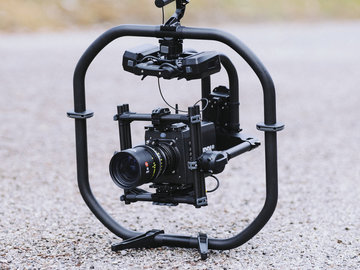 Rent: Freefly MoVI Pro with Mimic + 4 Batteries 1/2